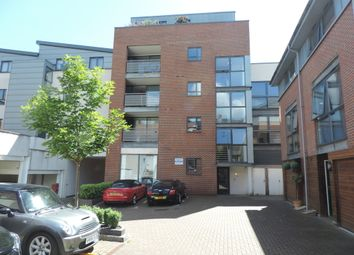 Thumbnail 1 bedroom flat to rent in Staple Gardens, Winchester