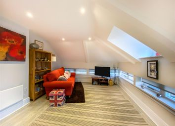 Thumbnail 2 bed flat for sale in Tower Street, Winchester