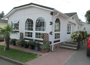 Thumbnail 2 bedroom mobile/park home for sale in Pilgrims Retreat (Ref 5412), Harrietsham, Maidstone, Kent