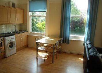 Thumbnail 2 bedroom flat for sale in Western Elms Avenue, Reading