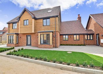 Thumbnail 6 bed detached house for sale in Paddock Court, Hammill Brickwo, Sandwich, Kent