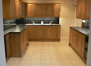 Thumbnail 7 bed shared accommodation to rent in Westbury Crescent, Cowley, Oxford