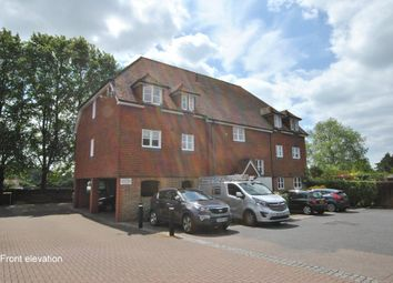 Thumbnail 1 bed flat to rent in West Street, Reigate