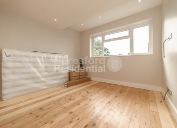 Room to rent in Angles Road, London SW16
