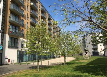 2 bed flat to rent in Reed House, Durnsford Road, Wimbledon SW19