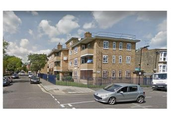 Thumbnail 3 bedroom flat to rent in Elderfield Road, Clapton