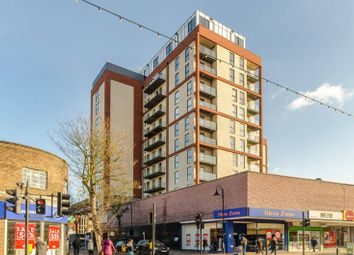 2 bed flat to rent in Blagdon Road, New Malden KT3