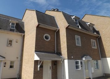 Thumbnail 1 bed flat to rent in Gresham Close, Brentwood