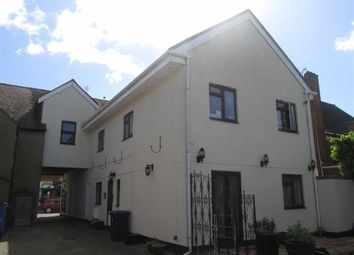Thumbnail 4 bed flat to rent in High Street, Burnham, Berkshire