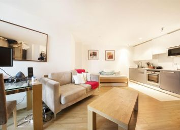 Thumbnail  Property for sale in Kestrel House, St George Wharf, London