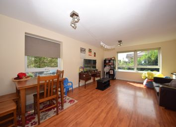 2 bed flat to rent in Youngs Road, Ilford IG2