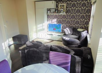 2 bed flat to rent in Avondale Gardens, Hounslow TW4