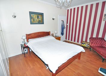 Thumbnail Room to rent in Avenue Road, Swiss Cottage, London