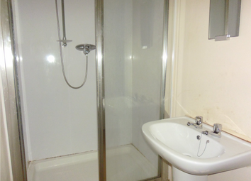 Thumbnail 2 bedroom flat to rent in Lochee High Street, 1/R, Dundee