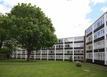 Thumbnail 2 bed flat to rent in Kersfield Road, London