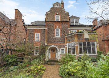 4 bed flat to rent in Lindfield Gardens, London NW3