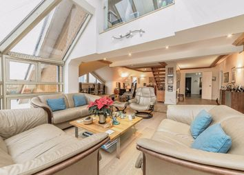 3 bed flat for sale in Homer Drive, London E14