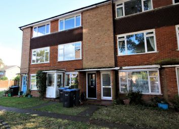 Thumbnail 2 bed flat to rent in Beech Grove, Addlestone