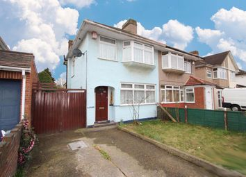 Thumbnail 3 bed detached house to rent in Hereford Road, Feltham