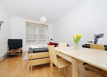 Thumbnail 1 bed flat to rent in Farringdon Road, London