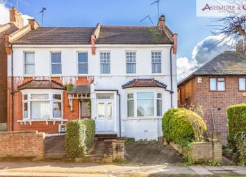 2 bed flat for sale in Halliwick Road, London N10