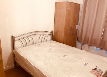 Thumbnail 2 bed flat to rent in Stratford Road, Hayes
