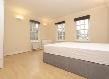 Thumbnail Room to rent in Angel Mews, Shadwell