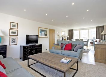 Thumbnail 2 bed flat to rent in Queens Court, Queens Road, Cheltenham