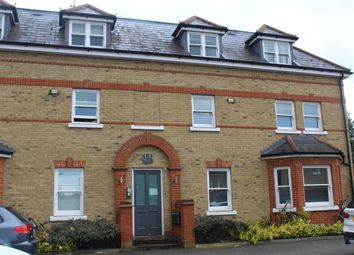 Thumbnail 2 bed flat to rent in Manor Grove, Beckenham