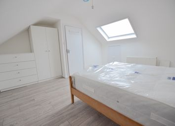 Room to rent in Tottenhall Rd, Palmers Green N13
