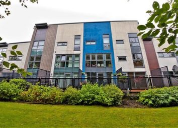 Thumbnail 3 bed town house for sale in Shuna Crescent, Glasgow