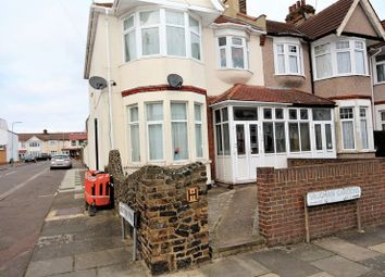 Thumbnail Room to rent in Vaughan Gardens, Cranbrook, Ilford