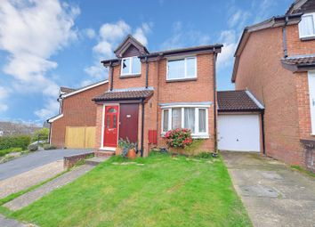 Thumbnail 3 bed detached house for sale in Farriers Way, Uckfield