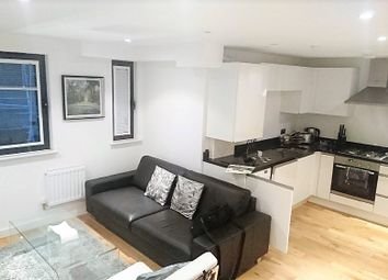 Thumbnail 3 bed flat to rent in Old Street, Shoredich
