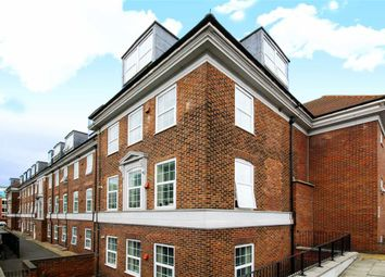 Thumbnail 2 bed flat for sale in Glenhurst Road, Brentford