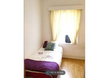 Room to rent in Hornsey Park Road, London N8