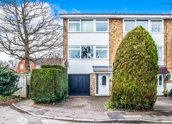 3 bed town house for sale in Willow Way, Hemel Hempstead HP1