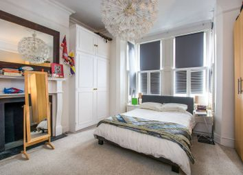 Thumbnail 3 bed flat for sale in Malwood Road, Balham
