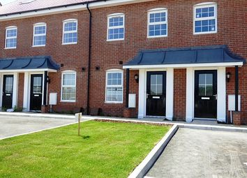 Thumbnail 3 bed town house to rent in Ashton Gardens, Eastleigh