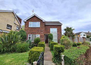 Thumbnail 3 bed detached house to rent in Fairview Crescent, Benfleet, Essex