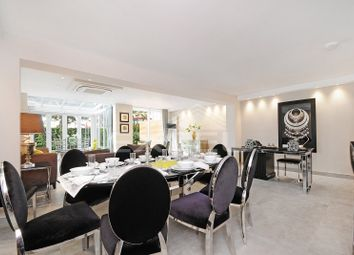 Thumbnail 4 bed flat to rent in Court Close, St Johns Wood Park, St Johns Wood