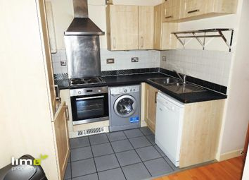 2 bed flat to rent in Queens Court, Bbc Building, Hull HU1