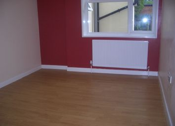 Thumbnail Studio to rent in Woodside Road, South Norwood