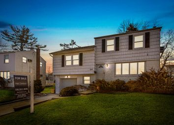 Thumbnail 4 bed maisonette for sale in 9 Pearl Dr, Plainview, Ny 11803, Usa