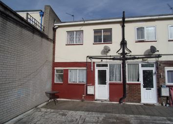 Thumbnail 2 bedroom maisonette for sale in High Street, Hornchurch