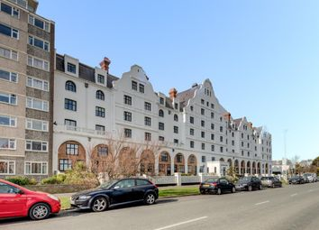 Thumbnail 2 bedroom flat for sale in Dolphin Lodge, Grand Avenue, Worthing