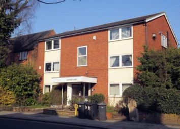 2 bed flat to rent in Shakespeare Road, Bedford MK40
