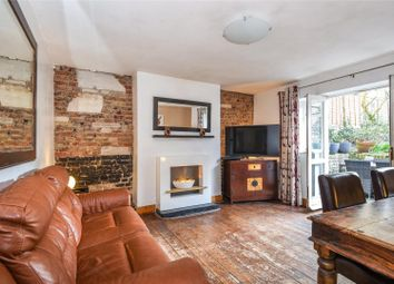 Thumbnail 2 bedroom flat for sale in Hillmarton Road, London