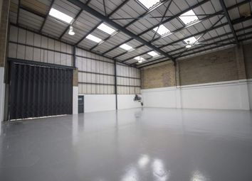 Warehouse to let in Unit 5, Airlinks Industrial Estate, Heston TW5