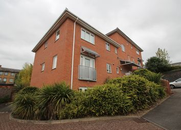 Thumbnail 2 bed flat to rent in Queens Road, High Wycombe